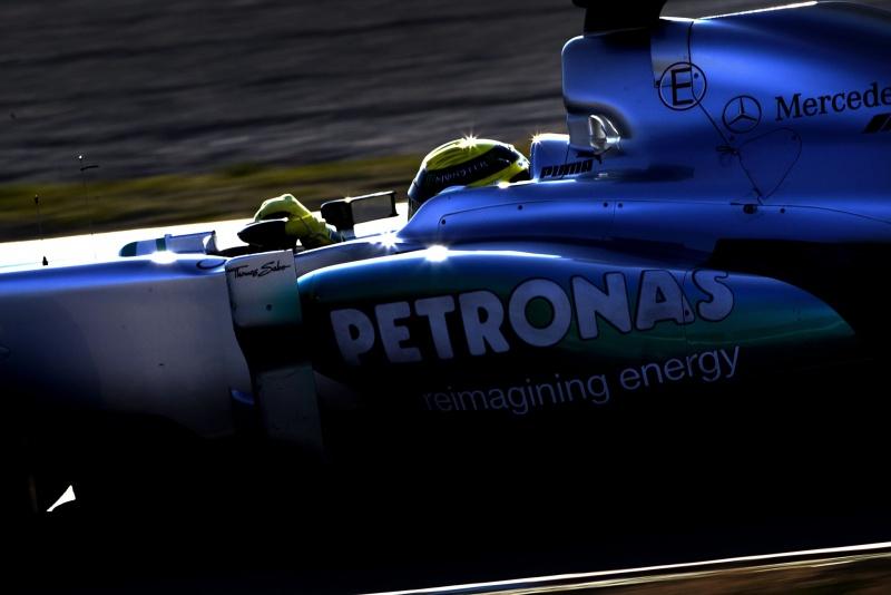Rosberg experimentou neste sábado novidades no carro da Mercedes