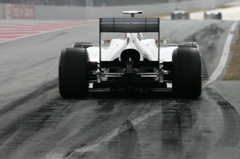 Kobayashi acredita na evolução da Sauber