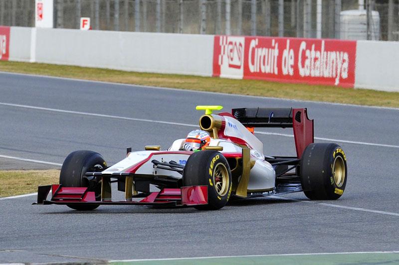 Karthikeyan testa a F112
