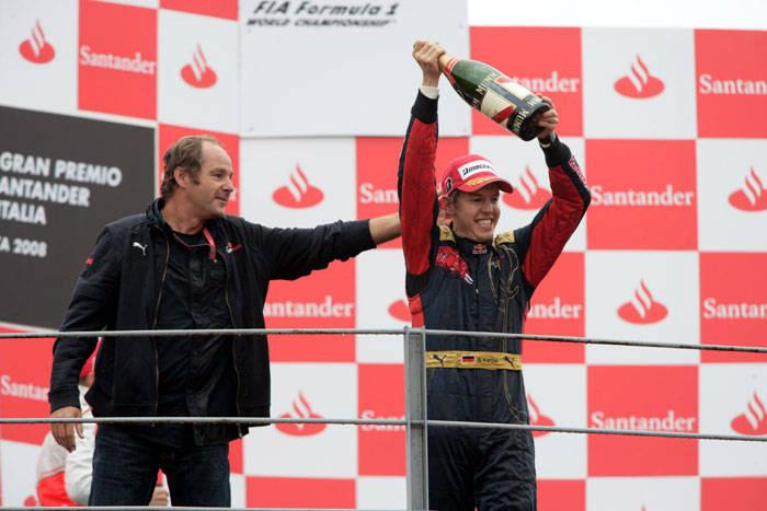 Gerhard Berger e Sebastian Vettel no pódio do GP da Itália de 2008