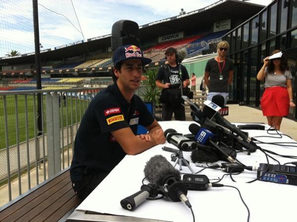 Daniel Ricciardo: entrevista em lugar incomum