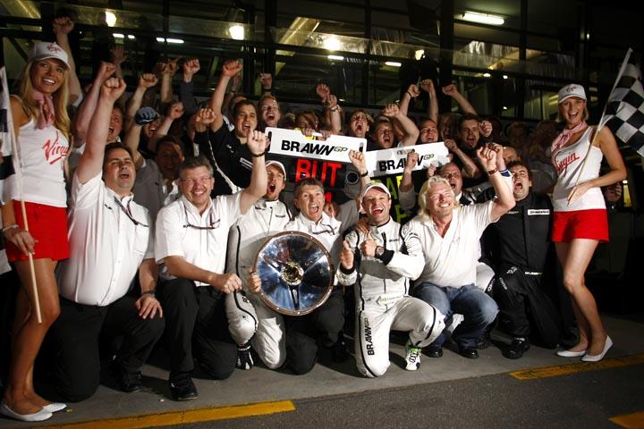 Button foi companheiro de Barrichello por quatro temporadas