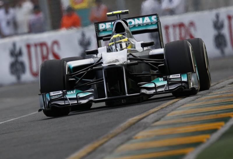 Mercedes vem como grande força no GP da Austrália