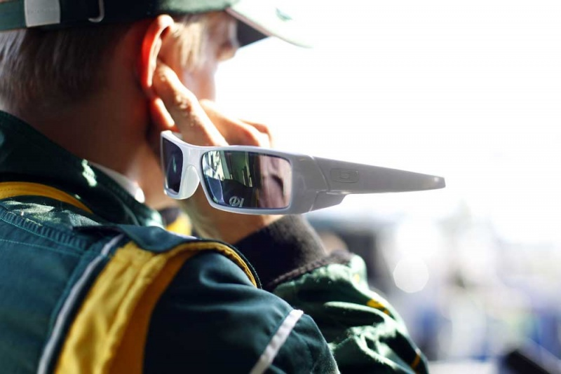 Kovalainen já começa o GP da Malásia perdendo