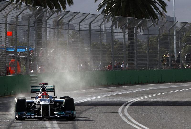 Schumacher quer sacudir a poeira de Melbourne