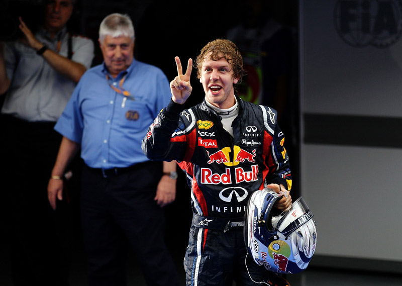 Será que vão acabar os dedos de Vettel para contar as vitórias até o final do ano?