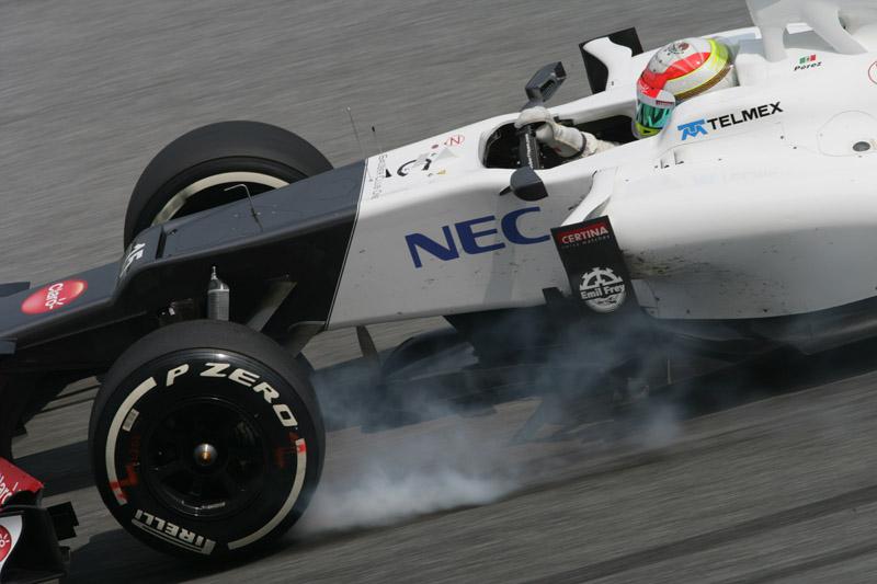 Sergio Perez andou na parte de trás do pelotão hoje em Sepang