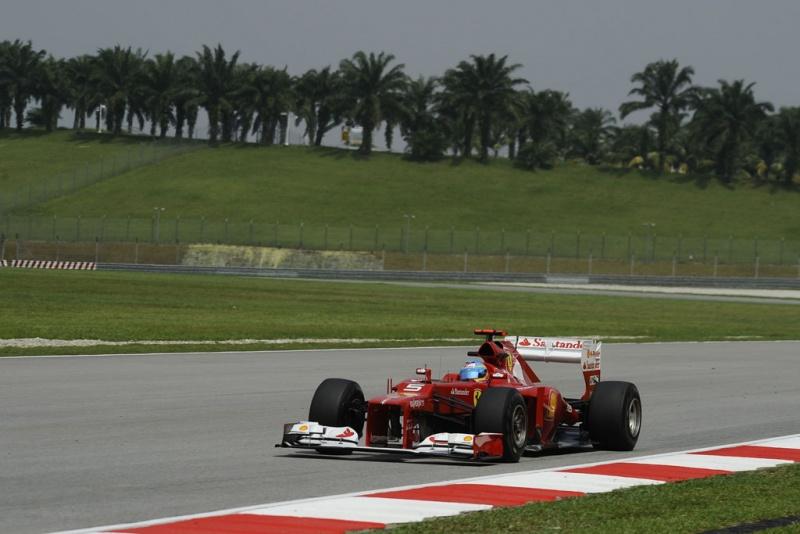 Alonso diz que vento é quente até na pista