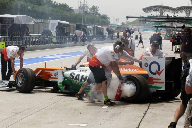 Equipe enfrentou pequeno problema nos freios do carro de di Resta