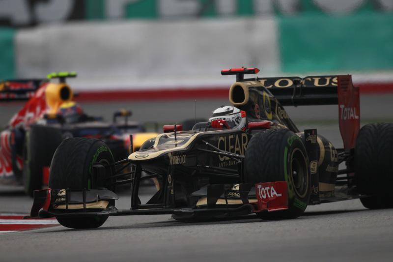 Raikkonen andou próximo das Red Bull na segunda metade da prova