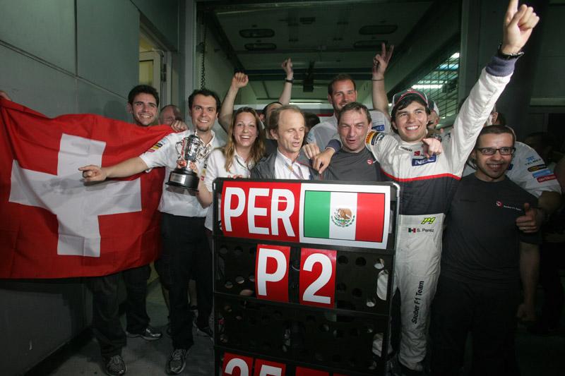 Perez comemora segundo lugar com sua equipe