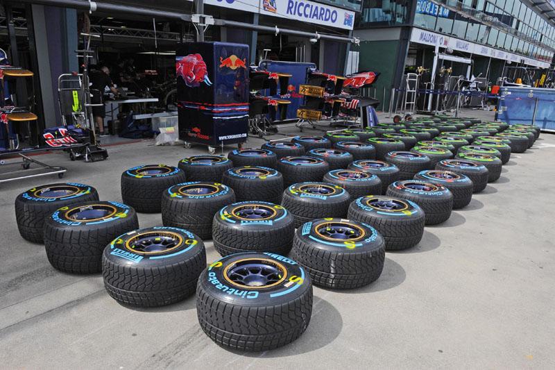 Cada piloto recebe 11 jogos de pneus de seco e 7 para molhado por final de semana