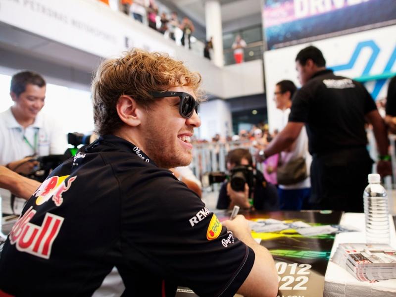 Vettel ganha prêmio na França