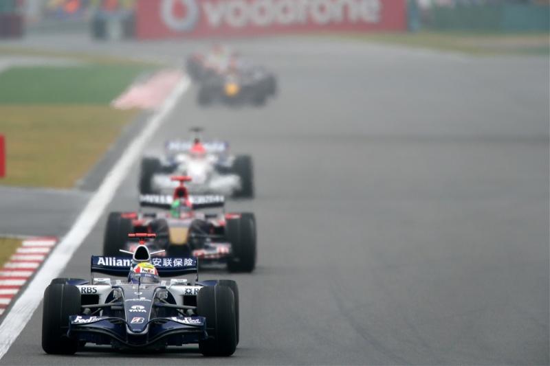 Webber, em 2006, acelera para pontuar com a Williams