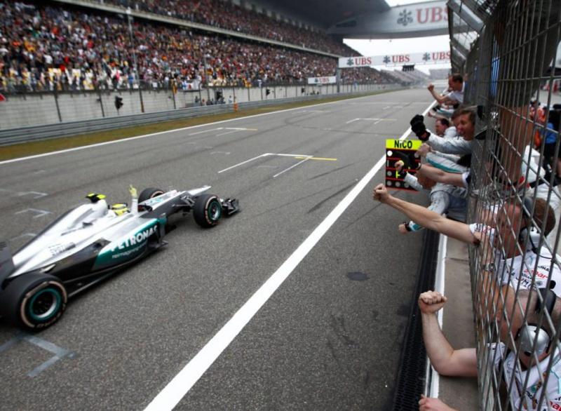 Rosberg vence a primeira após 111 GPs