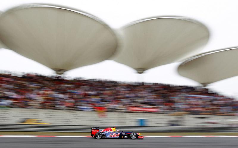 Vettel chegou a andar em segundo nas últimas voltas