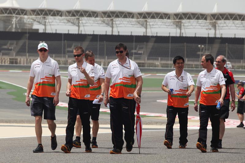 Membros da Force India levaram susto em Manama