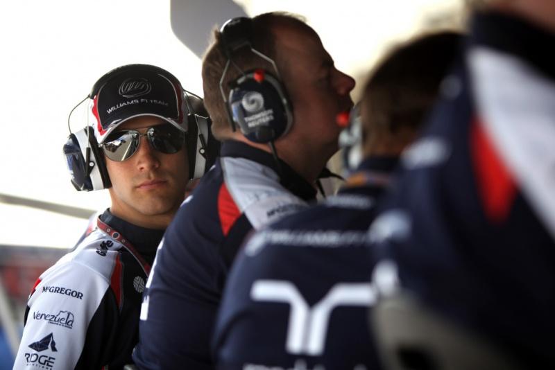 Senna diz que a comunicação com a equipe é importante