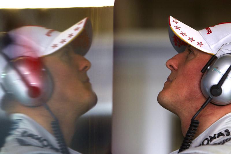 Schumacher: de olho nos tempos