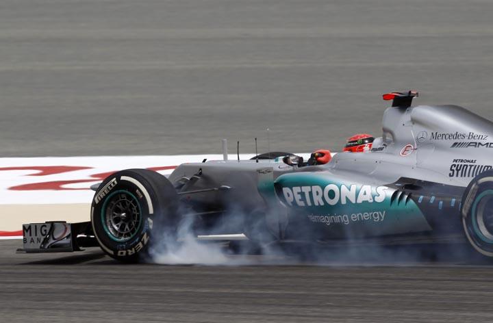 Schumacher acelera no deserto do Sakhir