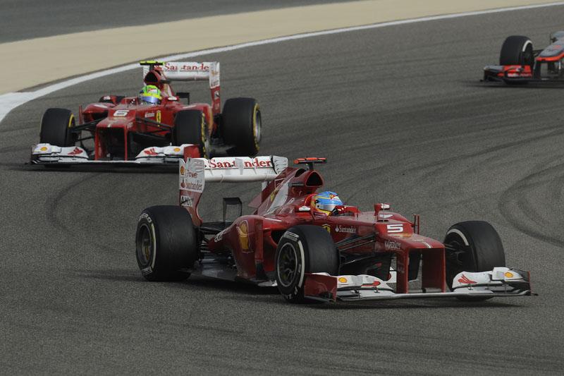 Alonso e Massa disputaram posições intermediárias no Bahrein