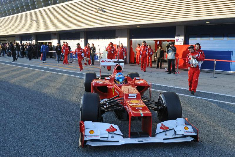 A Ferrari começou os testes na frente