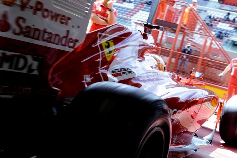Fernando Alonso pronto para ir à pista