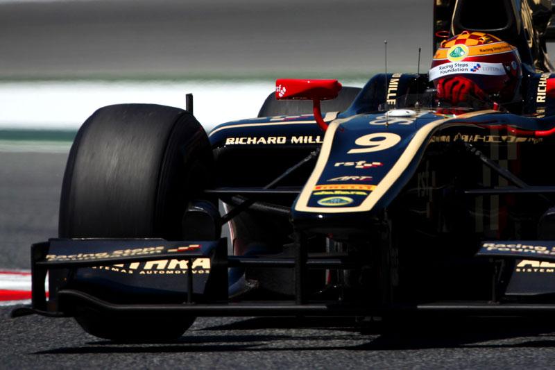 Calado conquista primeira pole da carreira no circuito de Barcelona