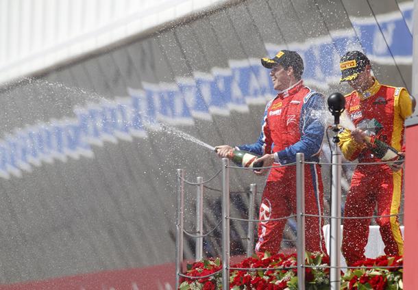Razia comemora vitória na Espanha
