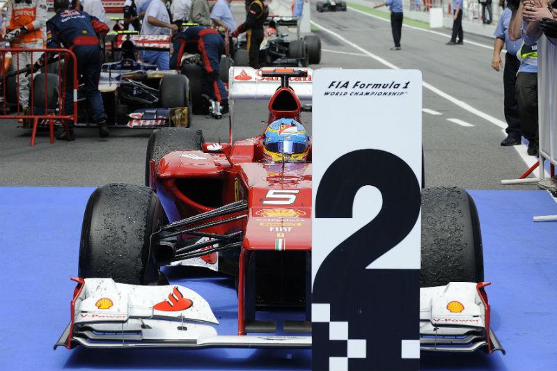 Alonso é segundo no campeonato, empatado com Vettel