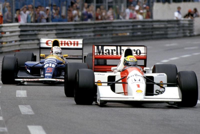 Mansell vivieu um dos momentos mais marcantes de sua carreira em Mônaco - Aqui com Senna em 1992