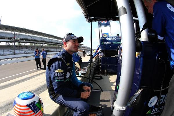Barrichello larga em 10º em Indianápolis