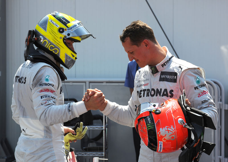 Rosberg cumprimenta Schumacher