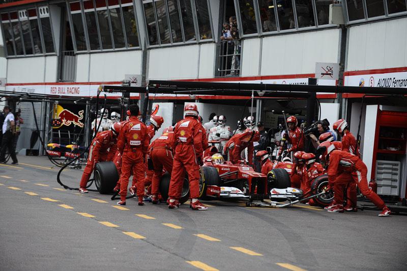 Alonso acredita ter parado no momento errado