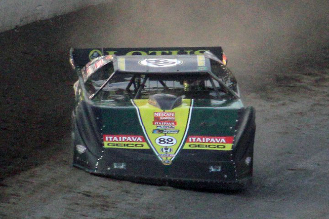Tony Kanaan pilotando em 2011