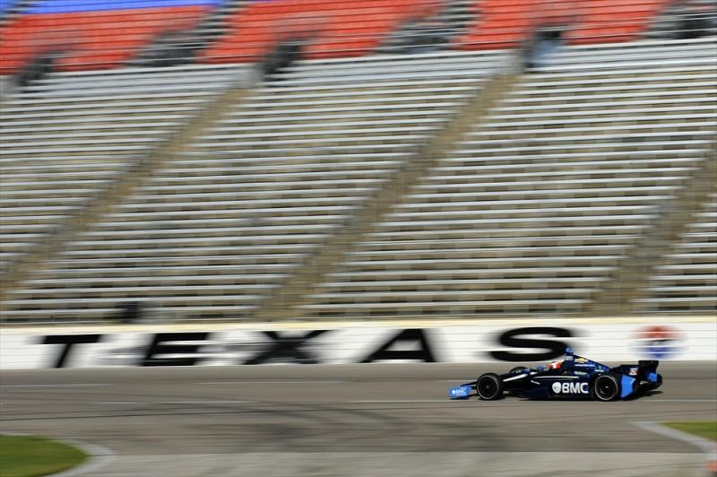 Barrichello já testou no oval do Texas