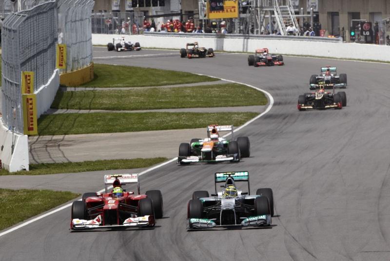 Rosberg foi presa fácil no início da corrida