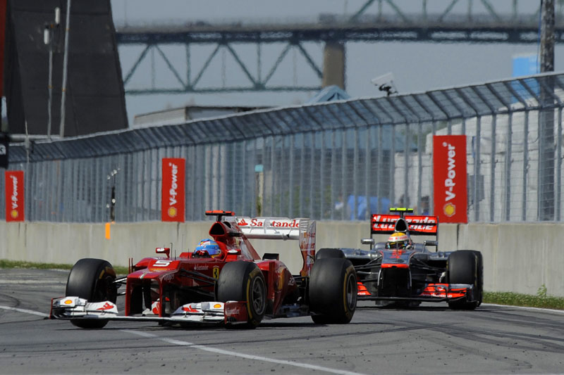 Fernando Alonso e Lewis Hamilton
