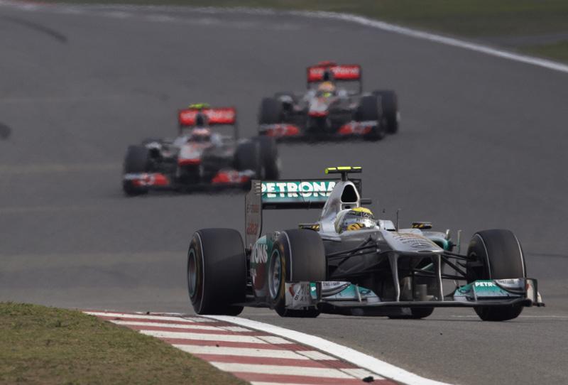 Rosberg passou boa parte da prova da China em posição de pódio