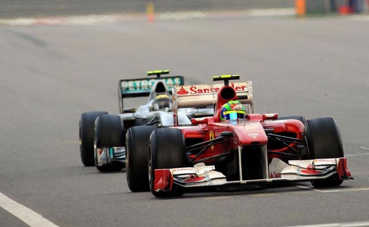 Massa à frente de Rosberg no GP da China