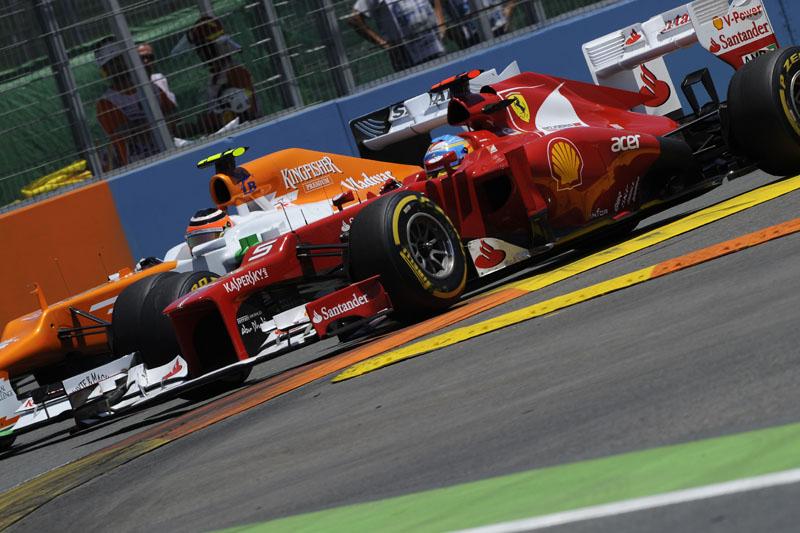 Alonso fez várias ultrapassagens durante a prova