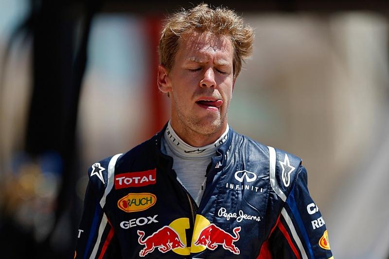 Vettel volta aos boxes de Valência após abandonar a corrida