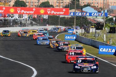 Cacá lidera pelotão em Londrina