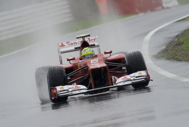 Massa com a Ferrari em Valência