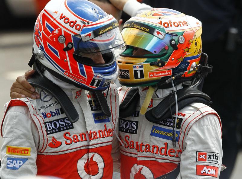 Button e Hamilton tiveram um fim de semana para esquecer em Silverstone