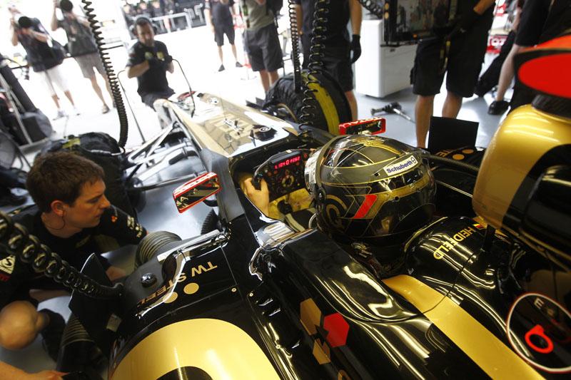 Heidfeld revelou que a Renault terá novidades no acionamento dos botões no volante