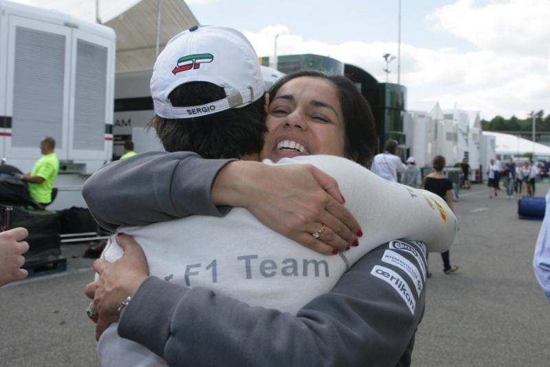 O abraço da felicidade em Perez