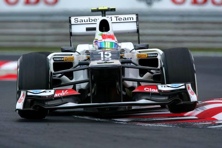 Sergio Perez em ação (Divulgação/Sauber)
