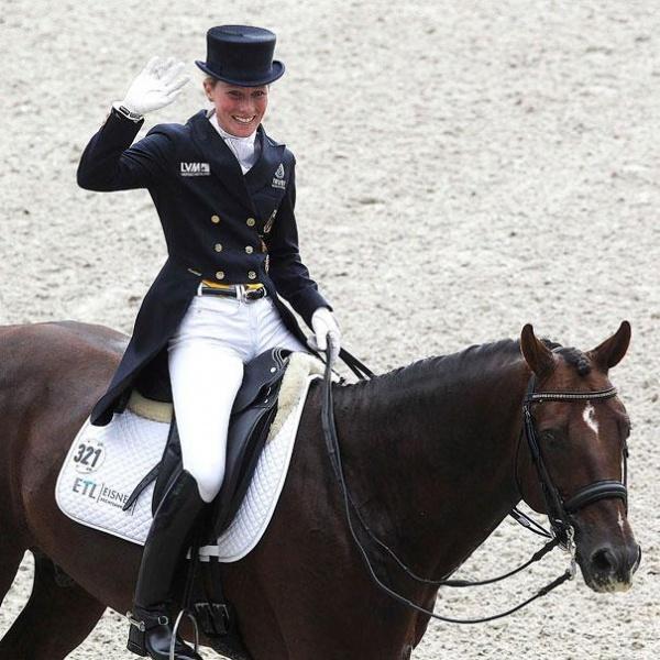 Helen Langehanenberg e o cavalo Damon Hill