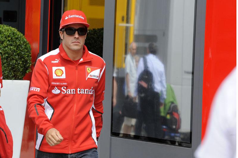 Alonso lidera com 40 pontos de vantagem